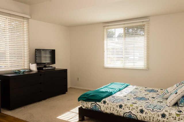 Prime Mid block location starter home