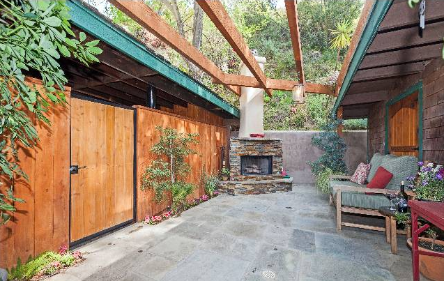 Cozy Laurel Canyon Retreat