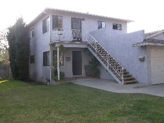 Fabulous upstairs duplex in Carlson Park area
