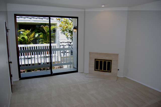 Santa Monica Tri-level Townhome