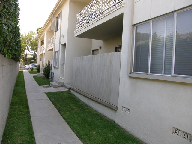 FREE RENT! Walk to Everything in the Heart of Santa Monica