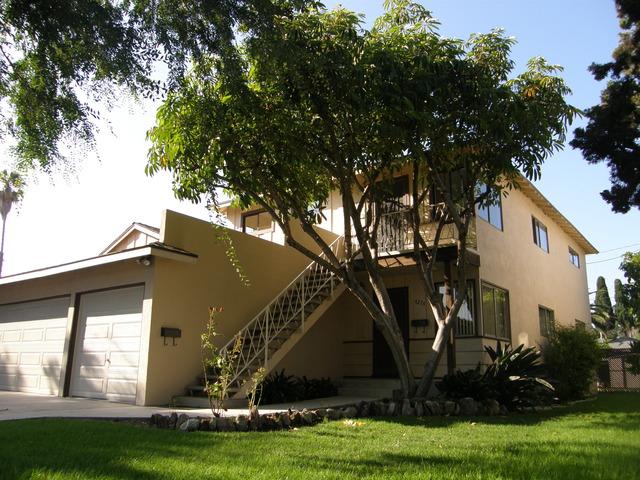 Mid-Century Duplex Carlson Park Area