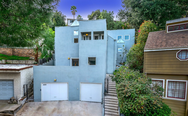 Dramatic Emotional Architectural in the Hollywood Hills