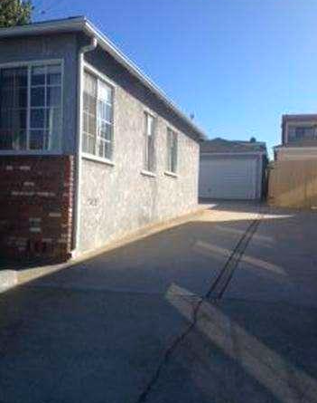 Lawndale Fixer close to Beaches