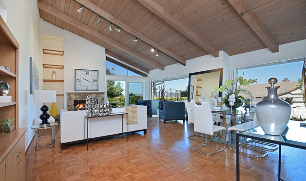 Mid Century / Post & Beam Wonder with Views
