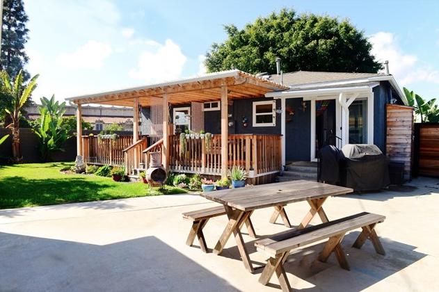 Long Beach Starter Home on Large Lot