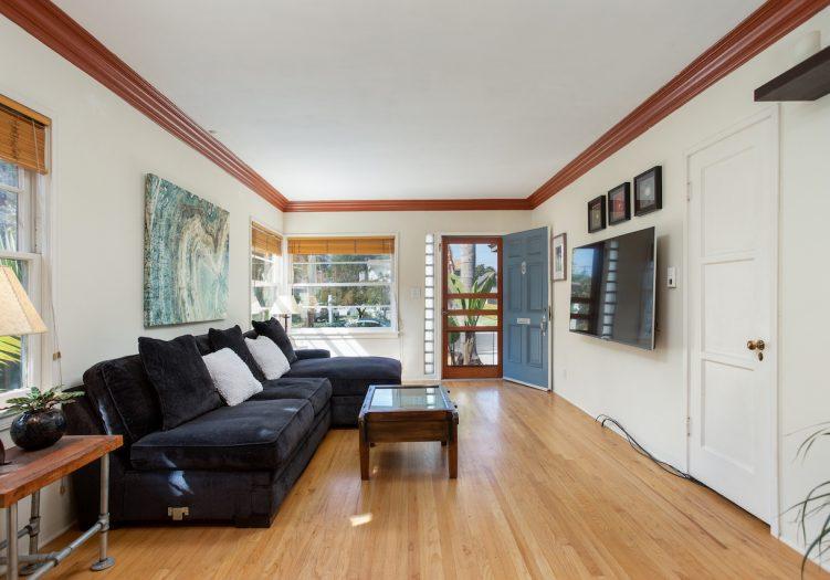 Mar Vista Gem with Bonus space in enchanting backyard